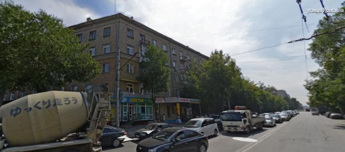 Ул. Красина около дома  № 6  попр. Дзержинского