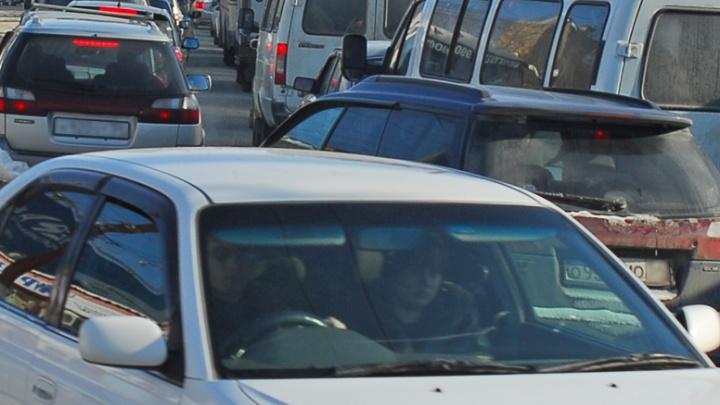 Бердское шоссе парализовала гигантская пробка