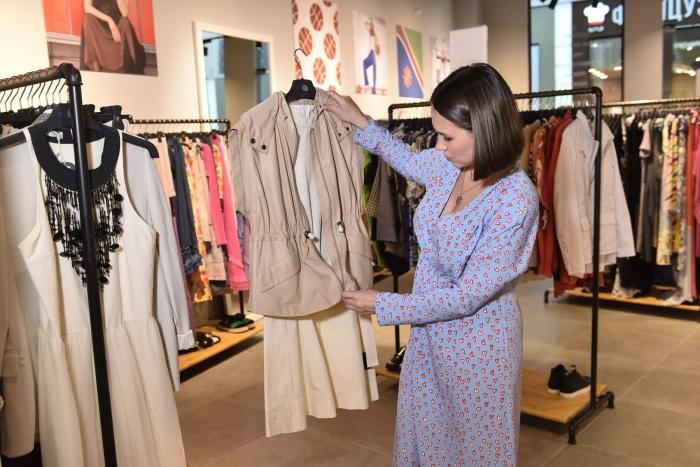 08acf84fa6fcf Стилист Мария Марыгина узнала, можно ли собрать полный гардероб в Brands'  Stories Outlet