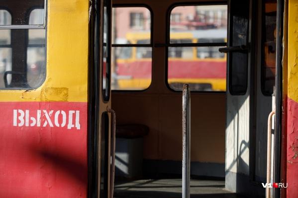 Пожилой пассажир умер в вагоне трамвая