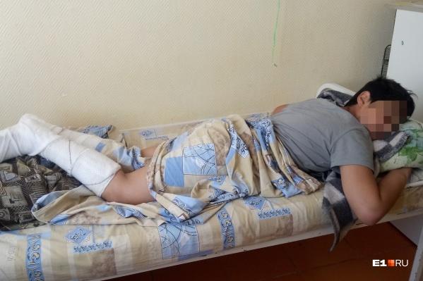 Воспитанник детдома сломал ноги, сорвавшись с подоконника