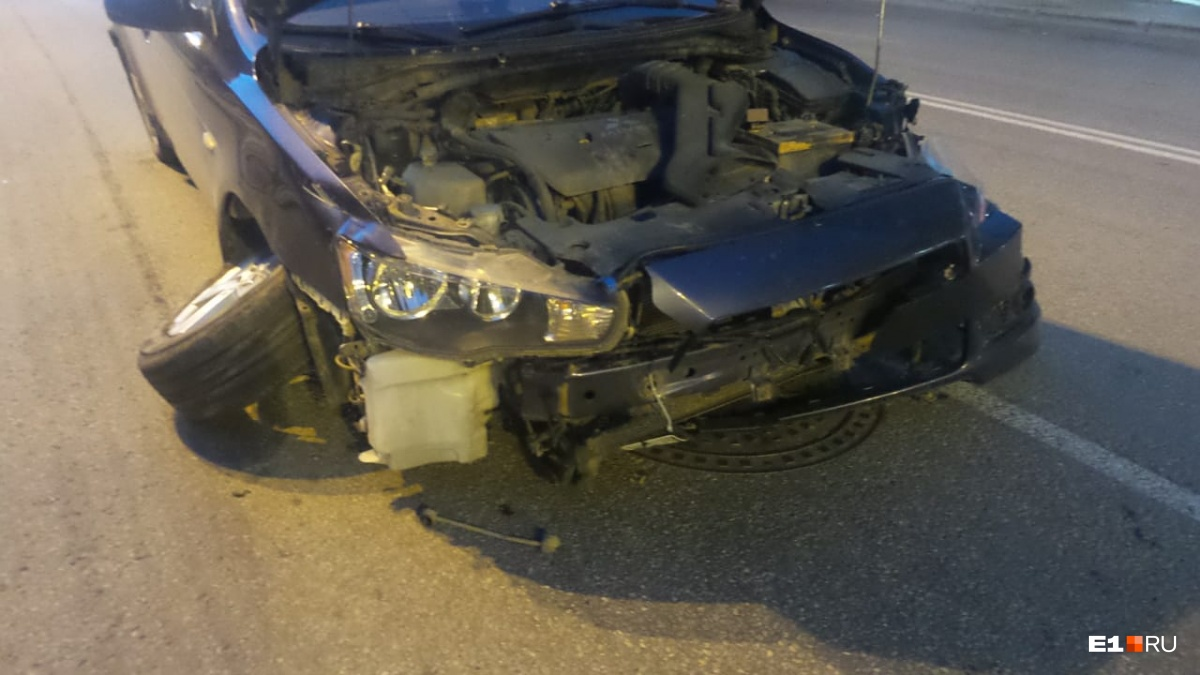 Обе машины серьезно повреждены