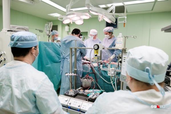 Пермские врачи провели операцию под контролем коллеги из Москвы