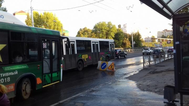 Не успели отремонтировать: в Уфезатопило улицу Степана Кувыкина в районе «Колонки»