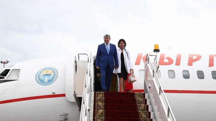 В Уфу прилетел президент Киргизии: по городу проехал кортеж высокопоставленного гостя