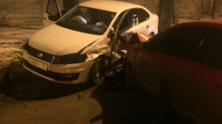Ночью в ДТП на Гагарина серьёзно пострадали два человека