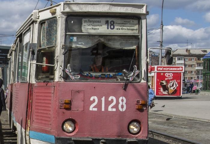 Трамваи № 15 и 18 временно не будут заезжать на остановку«Юго-Западный жилмассив»