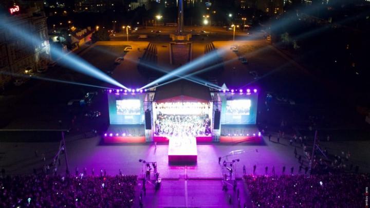 Подготовка концертана Театральной площади ко Дню города обойдется в 4,3 миллиона рублей