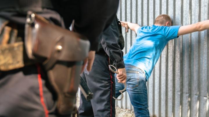 Просил «слить» дело: в Новокуйбышевске следователь отказался от взятки подозреваемого