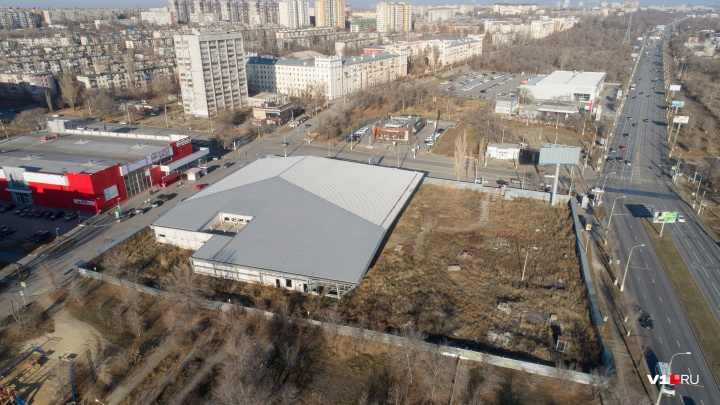 В Волгограде за 37,8 миллиона рублей продают недостроенный гипермаркет