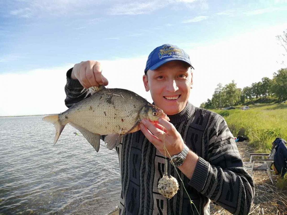Иван часто ездил на рыбалку один или с друзьями
