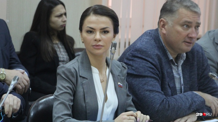 Депутаты Архангельской думы повысили зарплату себе и главе города Игорю Годзишу