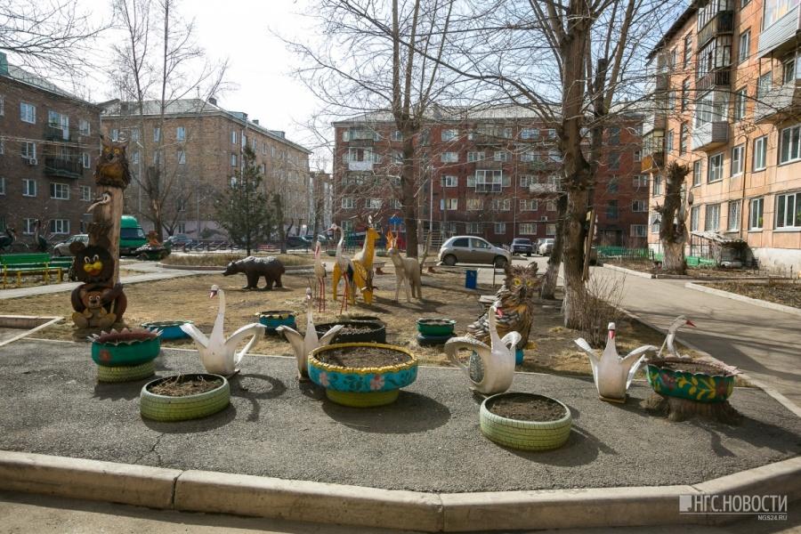 Детские сады в Красноярске обязали убрать с площадок покрышки