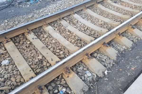 Матери погибшего на железнодорожных путях мужчины выплатят 60 тысяч рублей