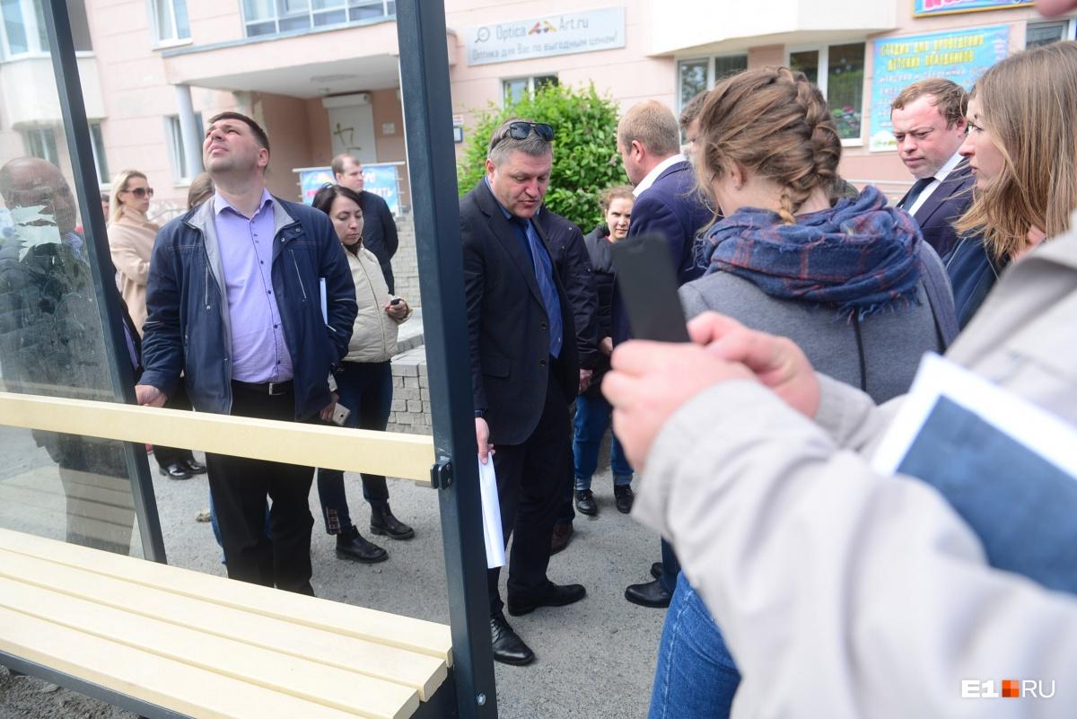 «Квартальный этого безобразия не видит?»: вице-мэр отчитал чиновников на объезде дорог
