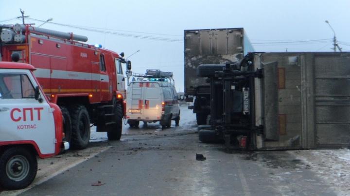 Ехал по второстепенной и не уступил дорогу: в Котласском районе столкнулись два грузовика