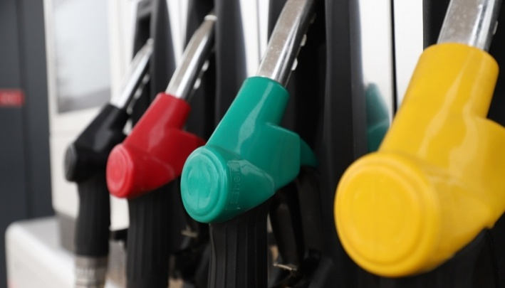 В Ростовской области обнаружены девять автозаправок, торгующих бензином кустарного производства