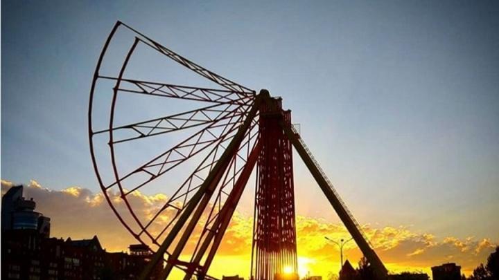 В парке «Сады мечты» в Красноярске начали строить колесо обозрения
