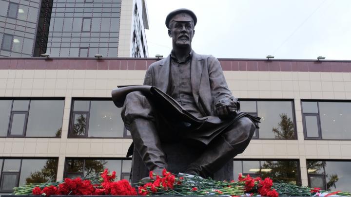 В Перми открыли памятник профессору Преображенскому. Он первый нашел нефть в Прикамье
