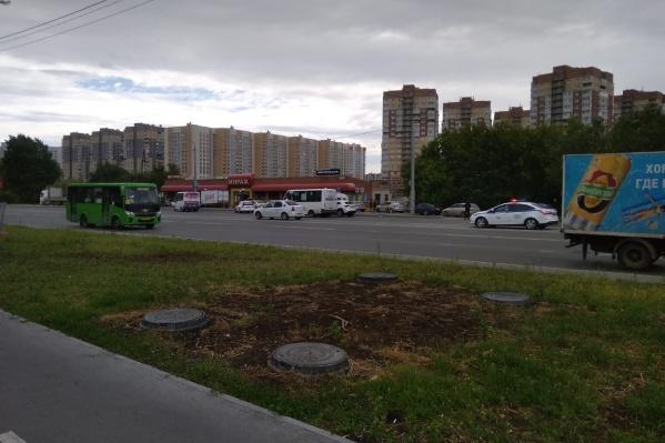 Рейд проходил на протяжении нескольких часов около магазина «Мираж» по улице Широтной