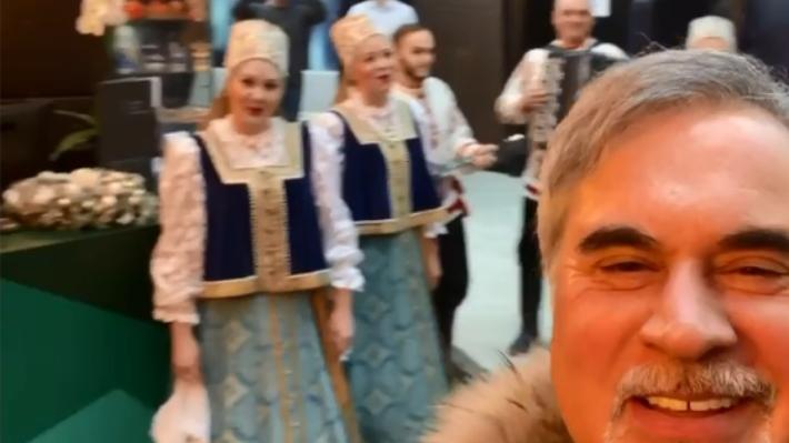 «Поморское гостеприимство!»: Меладзе опубликовал видео, как в Архангельске его встретил Северный хор