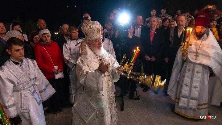 Депутаты в первых рядах: кто ещё посетил главное праздничное богослужение в Самаре