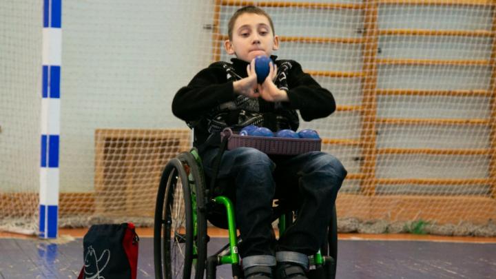 Юный архангелогородец, выживший в страшном ДТП, взял золото на Кубке России по бочче