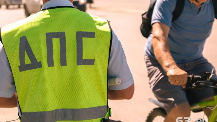 В Самаре велосипедист протаранил дверь «Мерседеса»