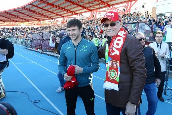 Рустэм Хамитов поблагодарил игроков за хорошую игру