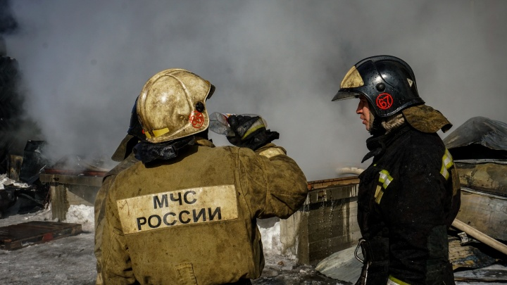 Два человека погибли в загоревшемся доме под Новосибирском