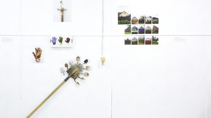 Проект новосибирского фотографа о русских дачах показали на выставке в Санкт-Петербурге