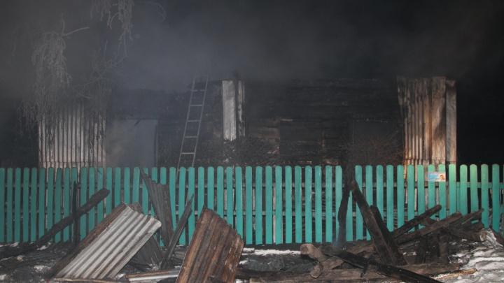 Многодетному отцу, семья которого сгорела в пожаре, дадут новое жилье