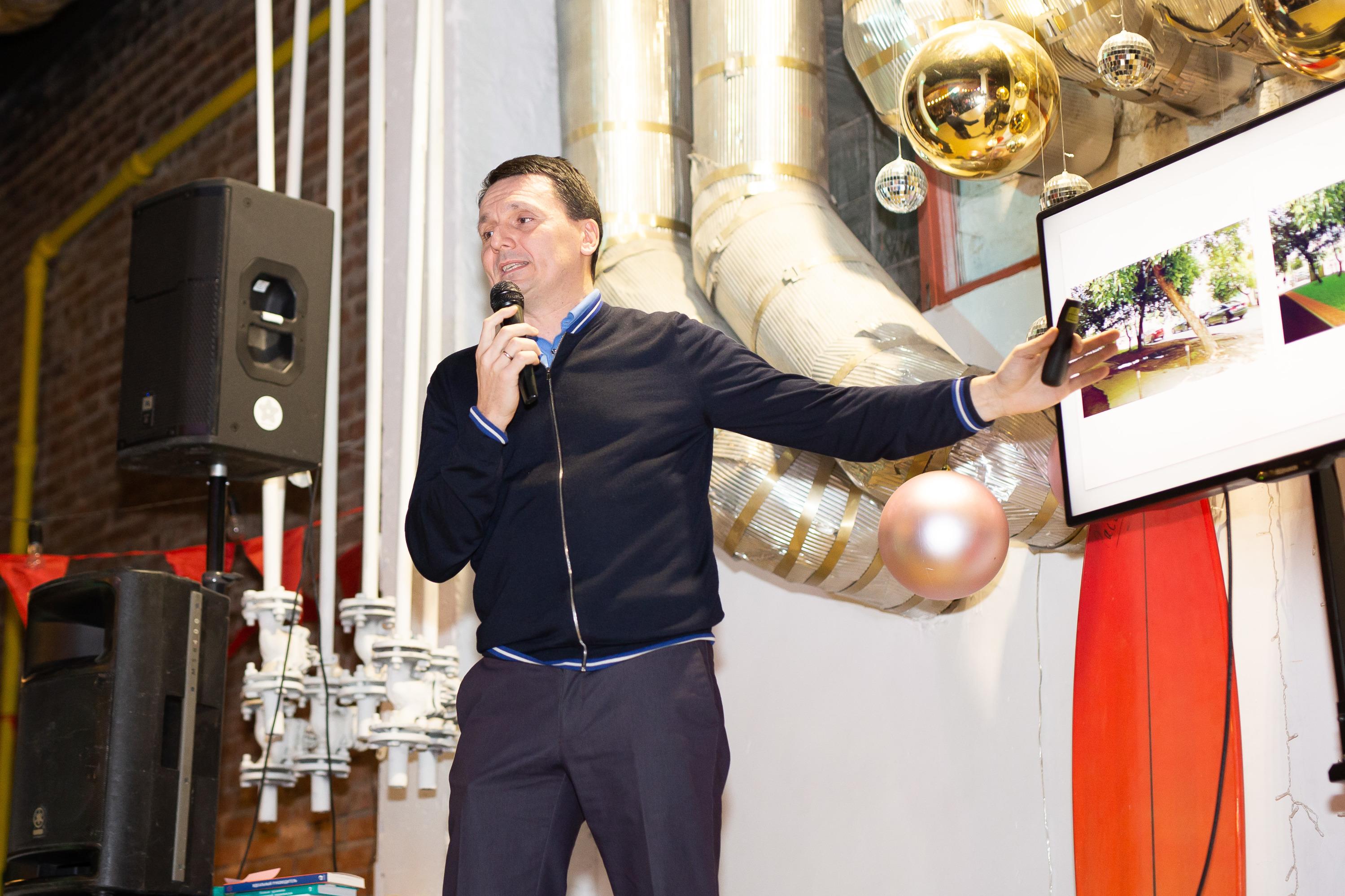 Юрий Окунев рассказал, что каждую неделю ездит из Екатеринбурга в Талицу, где находится производство