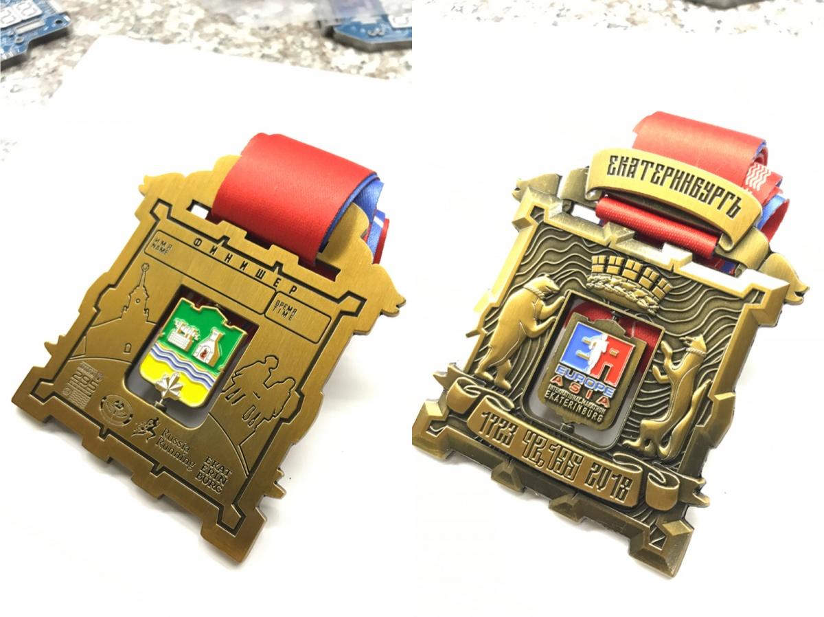 У марафона «Европа-Азия» будут квадратные медали: для самого длинного забега они просто гигантские