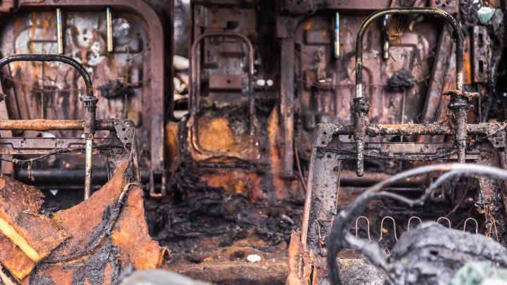 Замкнуло проводку: в Волгоградской области за ночь сгорели три автомобиля