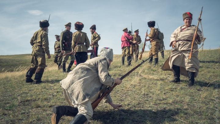 Под деревней Минино воссоздали события битвы партизан и колчаковцев100-летней давности