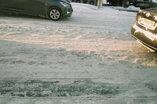 Автомобилисты сравнивают дороги со «стиральной доской»