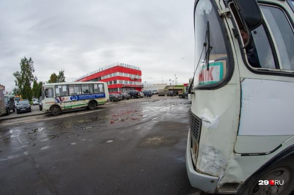 Автобус по-прежнему будет принимать пассажиров на железнодорожном вокзале