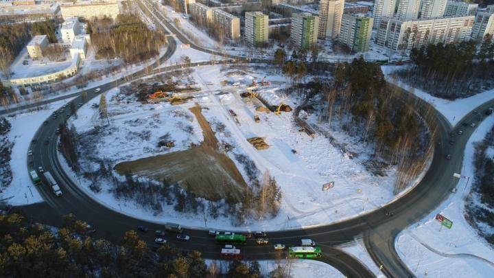 Из проекта новой развязки на кольце Объездной и Серафимы Дерябиной исключили велопешеходный тоннель
