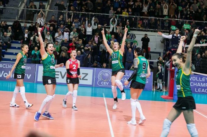 Волейболистки «Уралочки» выходили вперед в каждой четверти