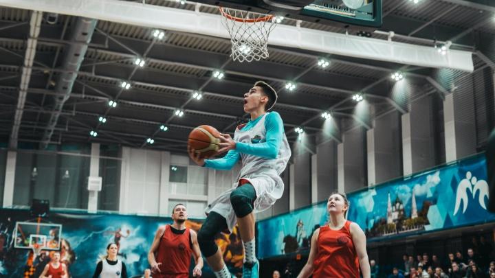 Звёзды любительского баскетбола, рок-концерт и подарки: в Ярославле устроят спортивный праздник