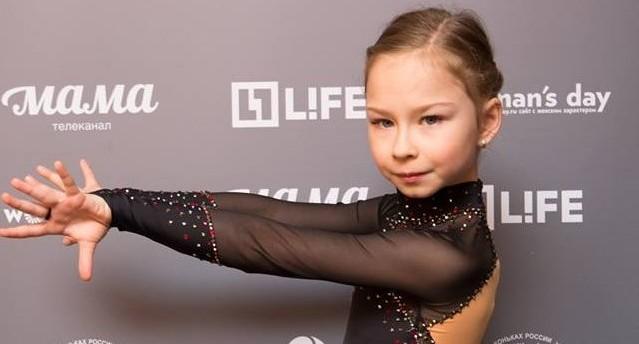 На конкурс отправил старший брат: маленькая фигуристка из Екатеринбурга вышла в финал ледового шоу