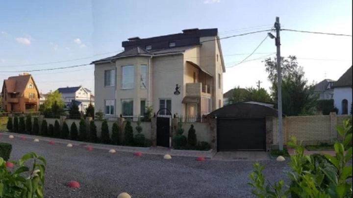 Топ-6 дорогих особняков Волгограда: горожане покидают элитные посёлки в Латошинке и на Тулака