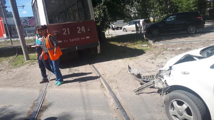 Авария случилась на перекрёстке