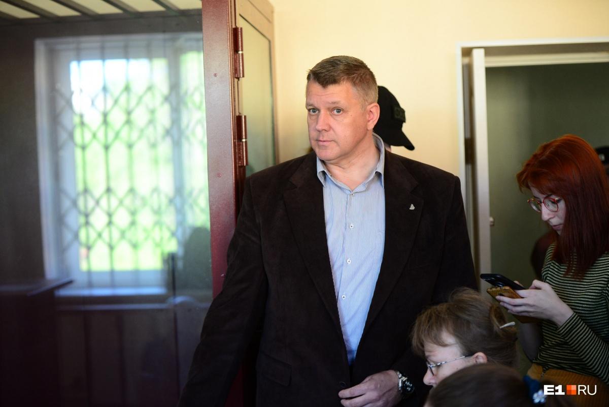 Владислав Щетинин заявил, что если люди собираются, чтобы водить хороводы, то это тоже является публичным мероприятием, которое нужно согласовывать