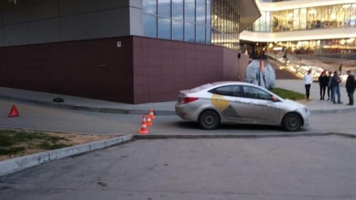 Таксист сбил подростка-велосипедиста напротив вокзала