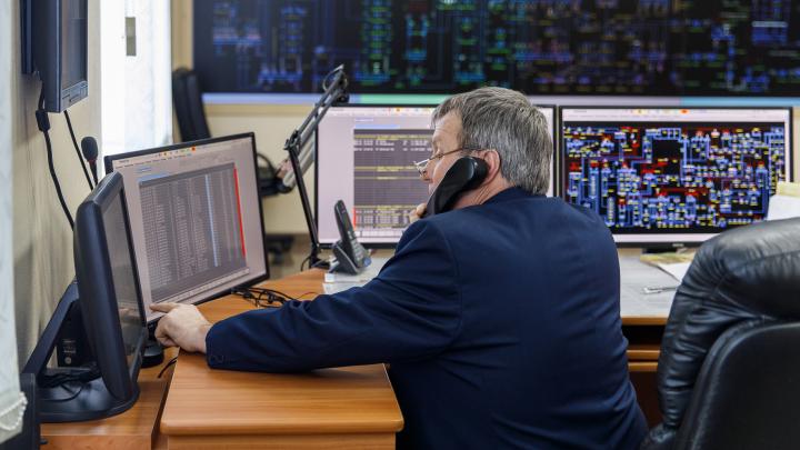 Человек, который включает свет: V1.RU посмотрел на работу диспетчера Центра управления сетями