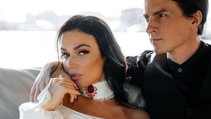 «Я развожусь»: известная тюменка Алена Водонаева подтвердила слухи о расставании с музыкантом