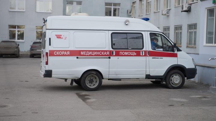 «Упал прямо во время игры»: в школе в Краснолесье умер футболист-любитель