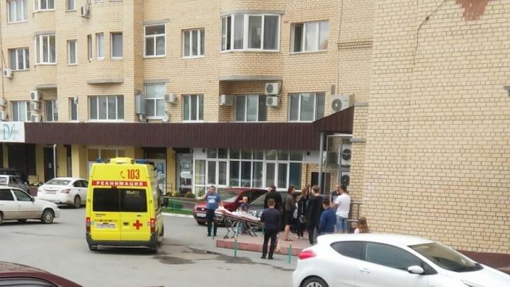 В Тюмени ребенок выпал с шестого этажа